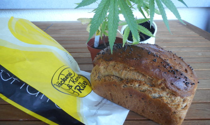 Monatsbrot im Juni  : Hanfbrot mit Thurgauer Kaviar